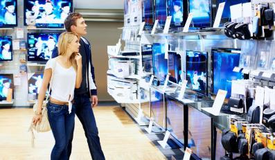 Sklep z telewizorami, zdjęcie ilustracyjne