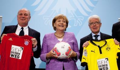 Angela Merkel wśród szefów niemieckiej piłki nożnej