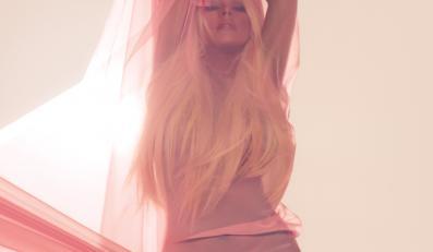 """Christina Aguilera na zdjęciu z okładki singa """"Your Body"""""""