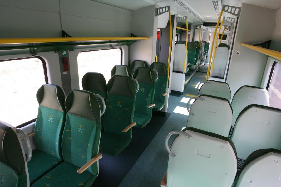 Wnętrze pociągu Elf bydgoskiej Pesy