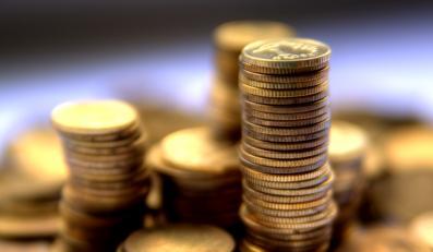Lepiej nie ryzykować ze świątecznymi kredytami - przestrzega UKNF