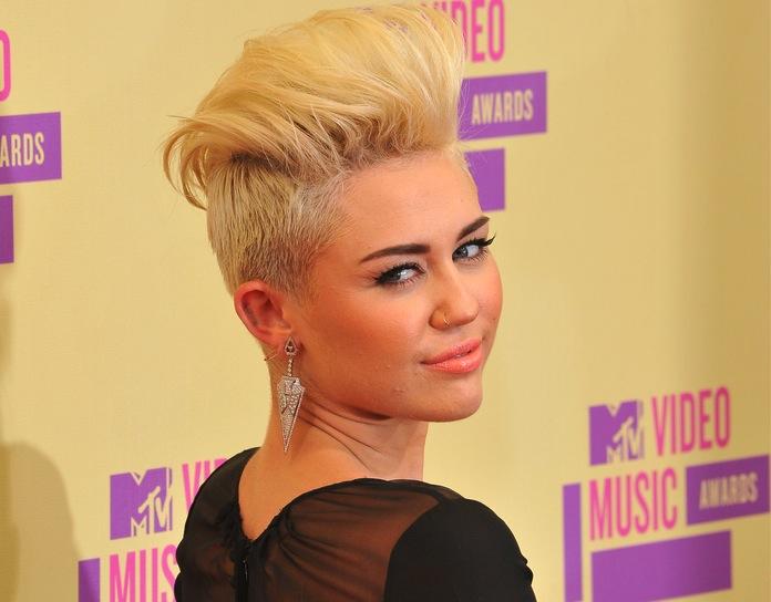 Miley Cyrus: Alkohol z pewnością jest groźniejszy od marihuany