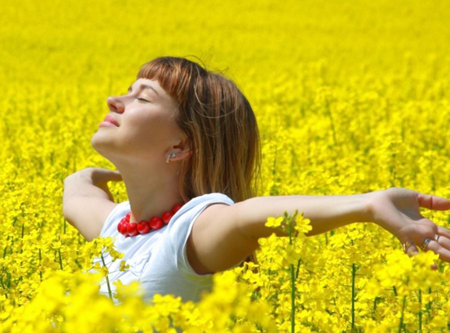 Ukwiecony naszyjnik rozgrzeje twój dekolt
