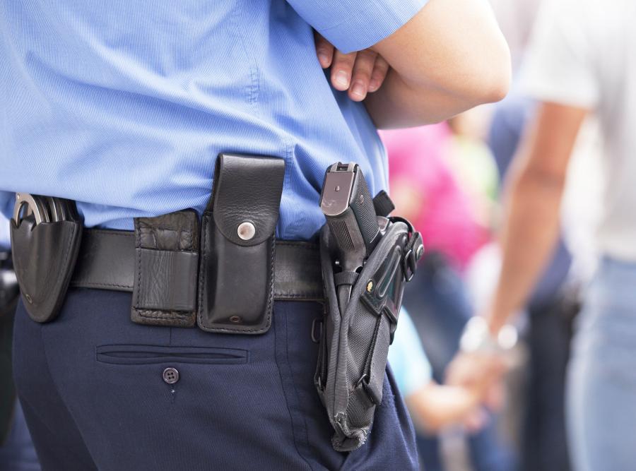 policjant broń