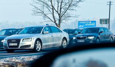 """Minister gospodarki Janusz Piechociński pędził na spotkanie z górnikami z prędkością 170 km/h po """"gierkówce"""", gdzie obowiązuje ograniczenie do 70 km/h - donosił jakiś czas temu """"Fakt"""". Teraz bulwarówka znowu przyłapała wicepremiera"""