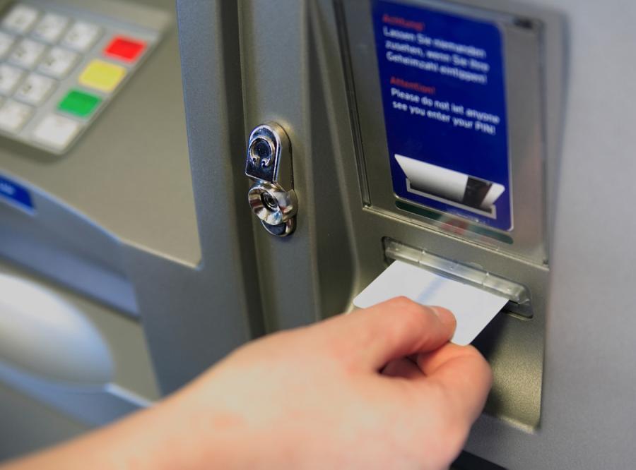 Złodzieje przejmują władzę nad bankomatami