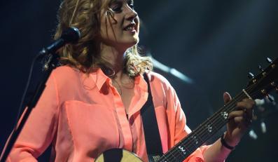 Edyta Bartosiewicz podczas występu  w sali koncertowej Polskiego Radia Wrocław (14.09.2012)