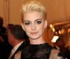 Anne Hathaway wręczy Oscara