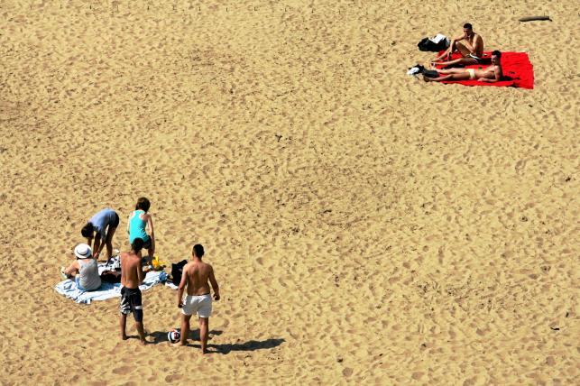 Pracujesz na lądzie, wypoczywaj nad wodą. Miejska plaża w Warszawie