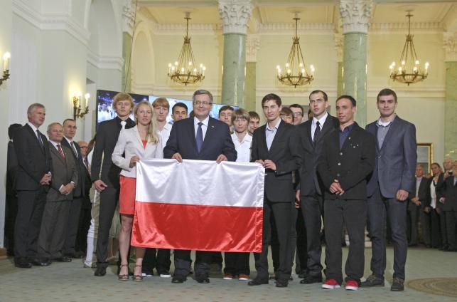 Prezydent Komorowski odznaczył orderami polskich olimpijczyków