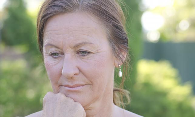 http://1.s.dziennik.pl/pliki/5088000/5088087-zmartwiona-kobieta-643-385.jpg