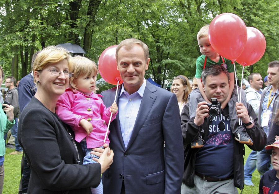 Donald Tusk podczas pikniku z okazji Dnia Dziecka