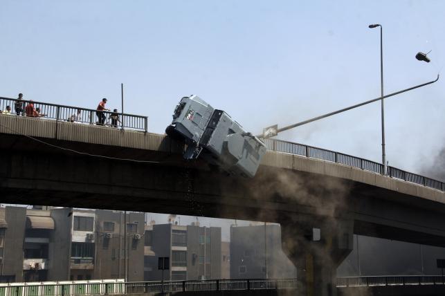 Policja i wojsko tłumiły w Kairze protesty zwolenników obalonego prezydenta Egiptu. Mohammed Mursi po przejęciu władzy przez wojskowych trafił do aresztu