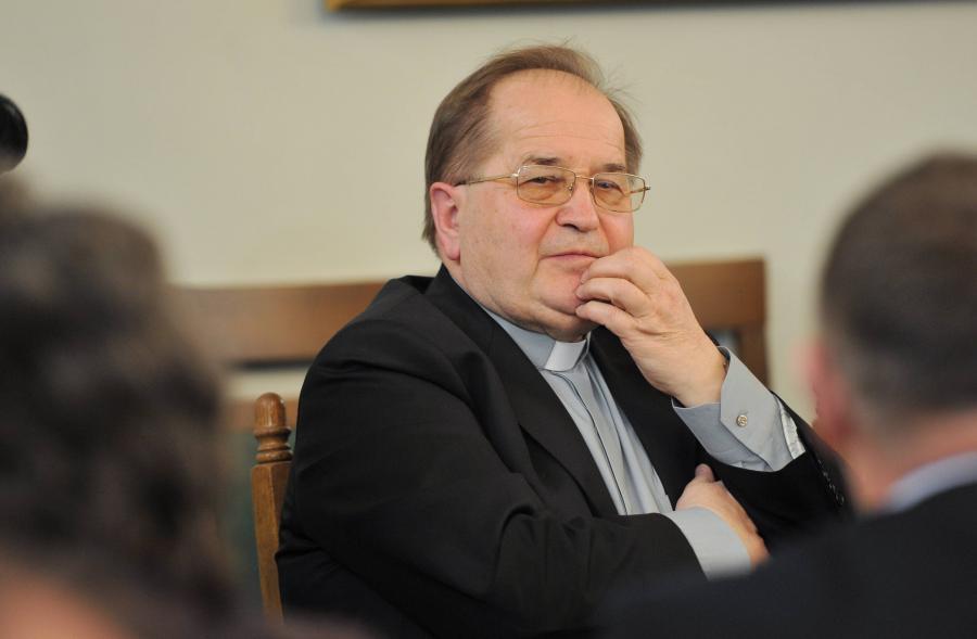 Ojciec Tadeusz Rydzyk Ojciec Rydzyk za Amuje r ce
