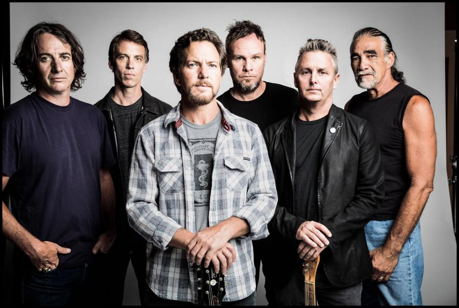 Pearl Jam gra Eagles of Death Metal