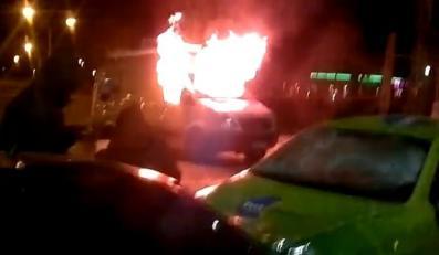 Płonący wóz TVN
