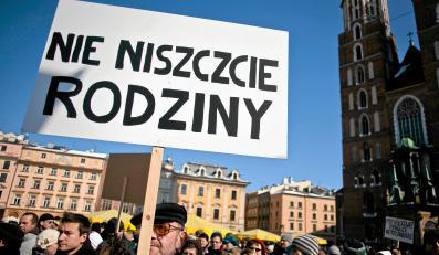 Zorganizowany w Krakowie marsz w obronie jedności rodziny - wyraz solidarności z rodziną Bajkowskich