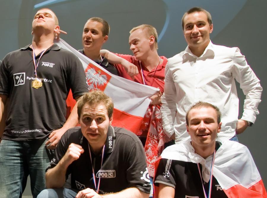 Polacy mistrzami cybersportu