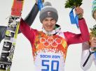Tak Kamil Stoch frunął po złoto, a potem cieszył się z medalu. ZDJĘCIA