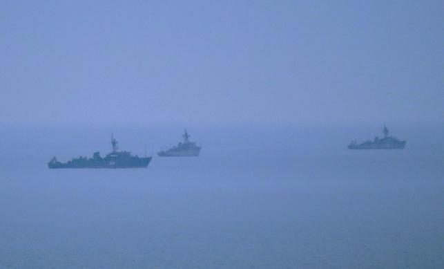 Niezidentyfikowane okręty wojskowe widoczne u wybrzeży Sewastopolu