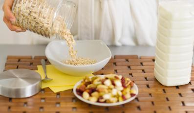 Dlaczego warto jeść płatki owsiane?