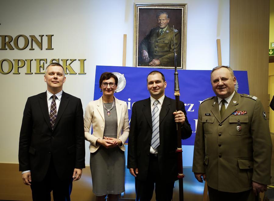 Minister Tomasz Siemoniak, redaktor naczelna \