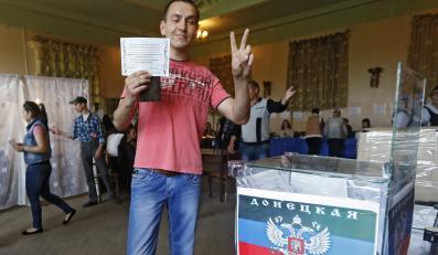 Głosowanie w referendum w Doniecku