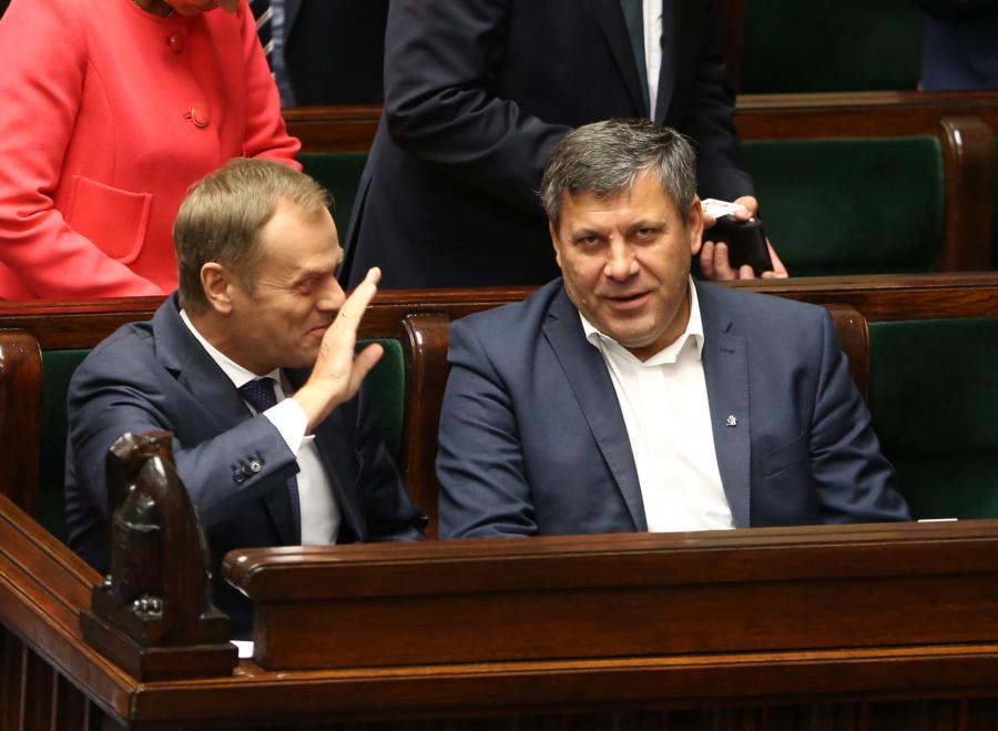 Premier Donald Tusk oraz wicepremier i minister gospodarki Janusz Piechociński