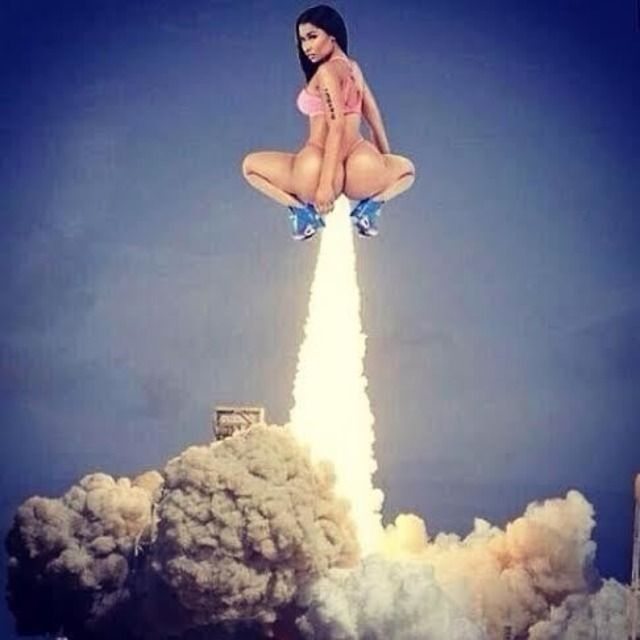 Nicki minaj anaconda rocket
