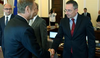 Premier Donald Tusk i szef MSW Bartłomiej Sienkiewicz