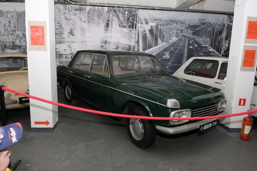 Prototypowa warszawa 210 z 1964 roku