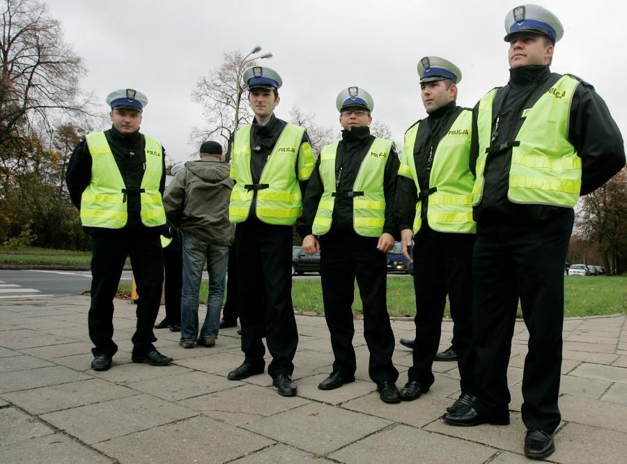 Czym zajmują się polscy policjanci?