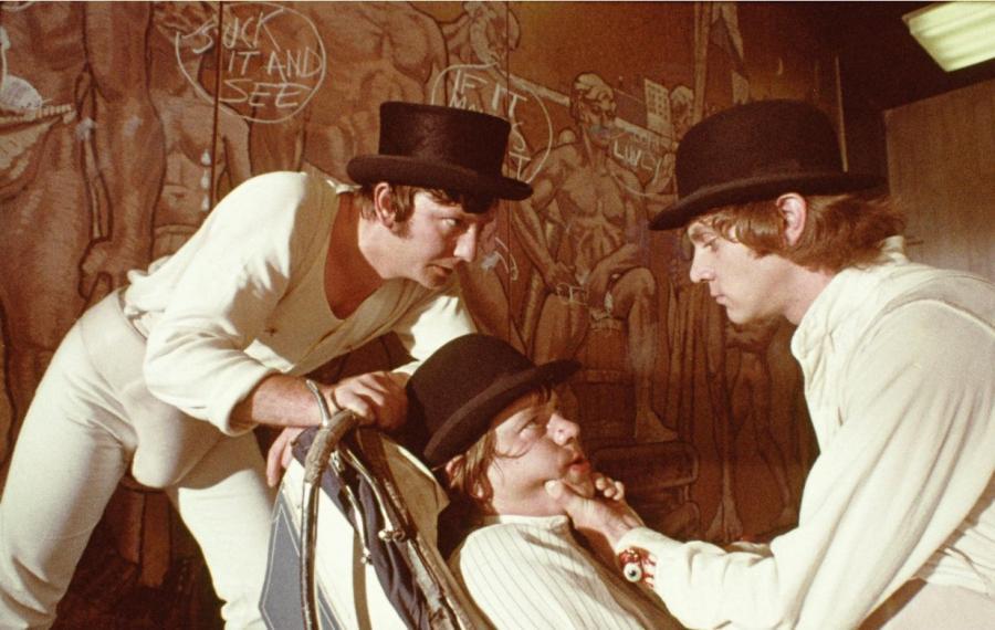 Malcolm McDowell, Warren Clarke i James Marcus w filmie \