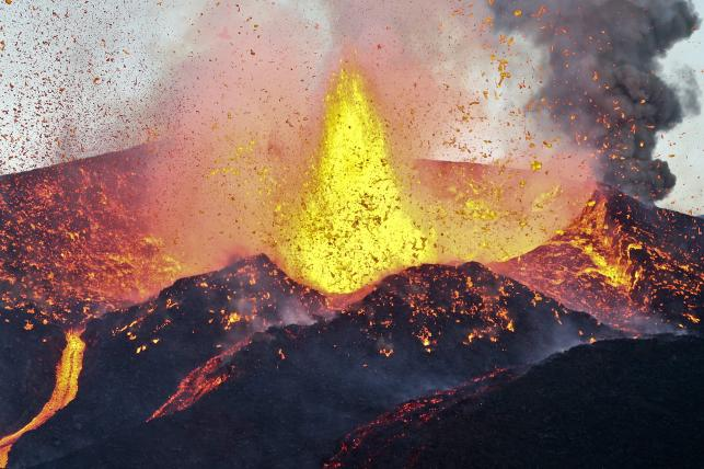 Niespokojny wulkan na wyspie Fogo