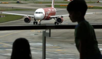 Pasażerowie na lotnisku w Singapurze