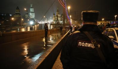 Policja na miejscu zabójstwa Borysa Niemcowa