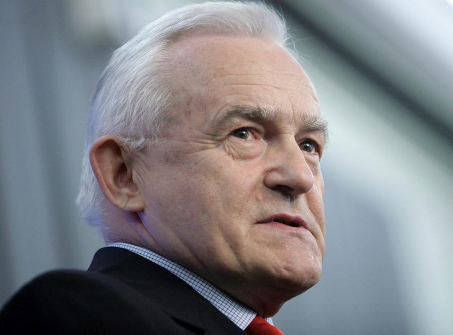 Miller: Juszczenko uczcił bandytę i terrorystę