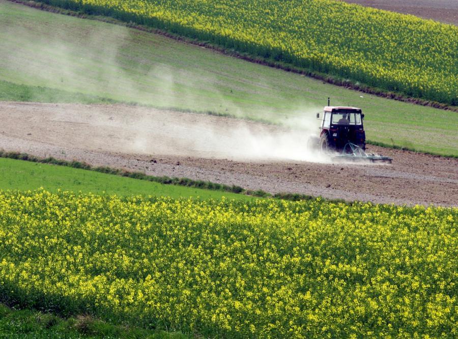 Teraz rząd obetnie rolnikom