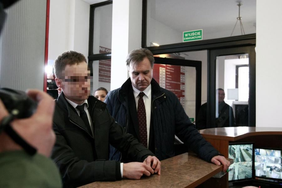 Asesor z łódzkiej kancelarii komorniczej Michał K. wraz z adwokatem Wojciechem Górskim