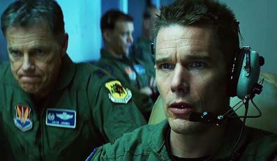 """Ethan Hawke zabija dronami w """"Good Kill"""""""