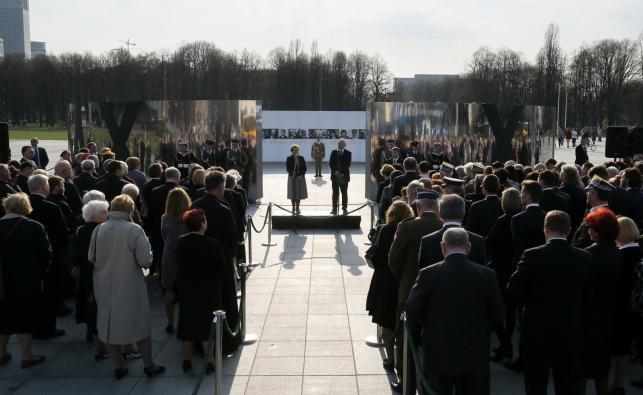 Wystawa upamiętniająca ofiary katastrofy pod Smoleńskiem