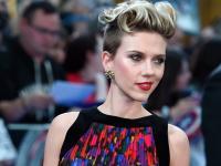 Seksowna Scarlett Johansson z przystojniakami Avengersami [ZDJĘCIA]