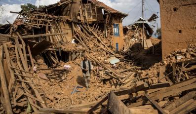 Zniszczona wioska w pobliżu Katmandu