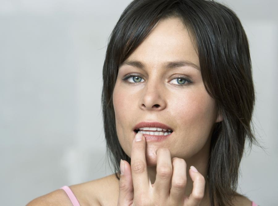 7. Posmaruj usta balsamem