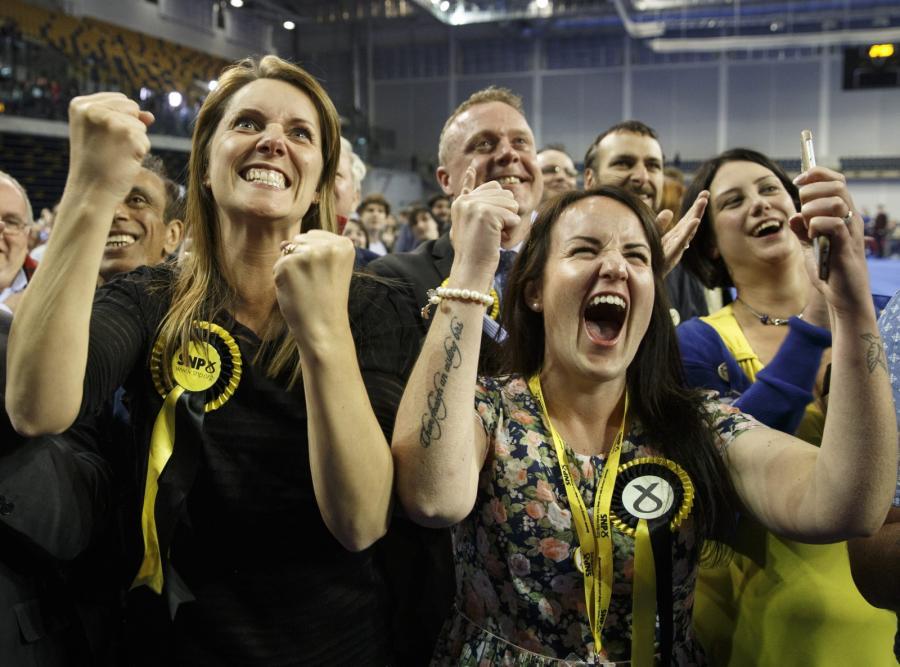 Radość zwolenników Szkockiej Partii Narodowej
