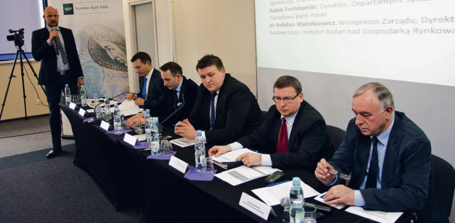Uczestnicy panelu (od lewej): Łukasz Bąk (prowadzący), Robert Łaniewski, Marcin Nowacki, Michał Paluszczak, Adam Tochmański, dr Bohdan Wyżnikiewicz