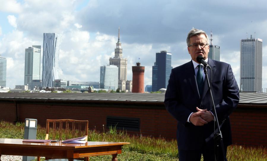 Prezydent Bronisław Komorowski podczas konferencji prasowej, po podpisaniu ustawy krajobrazowej