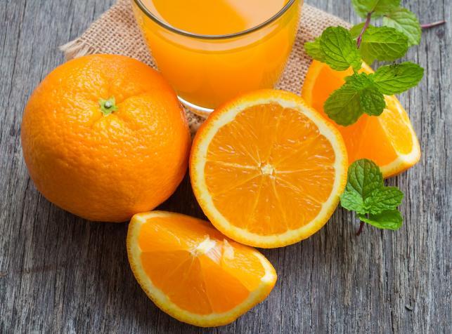 Soki i musy mogą zastąpić owoce i warzywa - FAKT