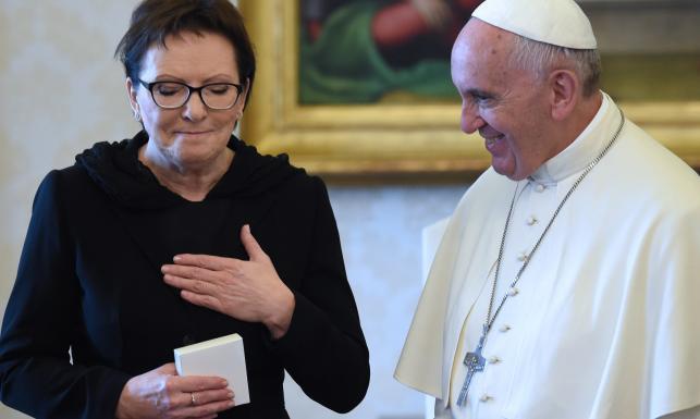 Polskie jabłka w Watykanie? Co Kopacz przywiozła Franciszkowi po Putinie... ZDJĘCIA