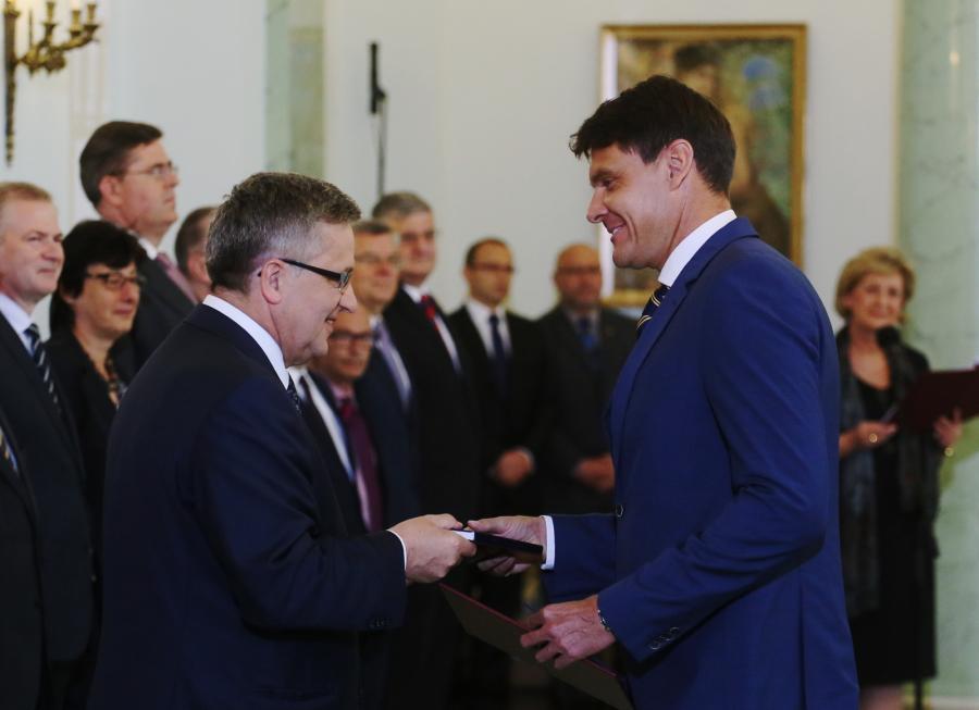 Prezydent Bronisław Komorowski powołał olimpijczyka Adama Korola na stanowisko ministra sportu i turystyki